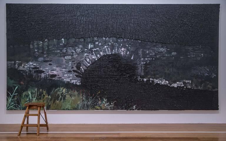 Exposição retrospectiva do artista plástico Rodrigo Andrade