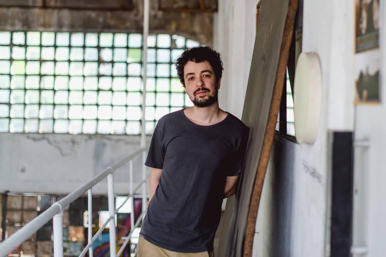 O cantor e compositor carioca Cícero, que lança seu quarto disco,  Cícero   890d405e5f