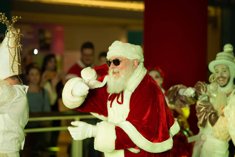 Papai Noel no musical do shopping Jardim Sul