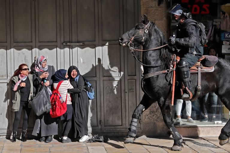 Protestos na Cisjordânia e na faixa de Gaza