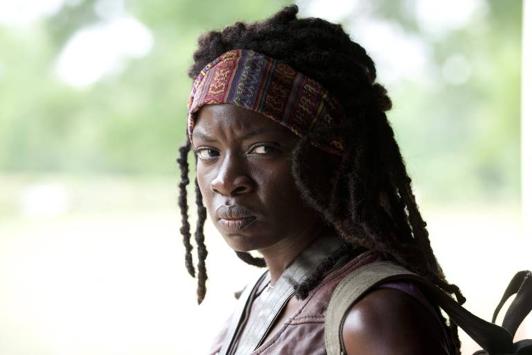"Danai Gurira em cena de ""The Walking Dead"""