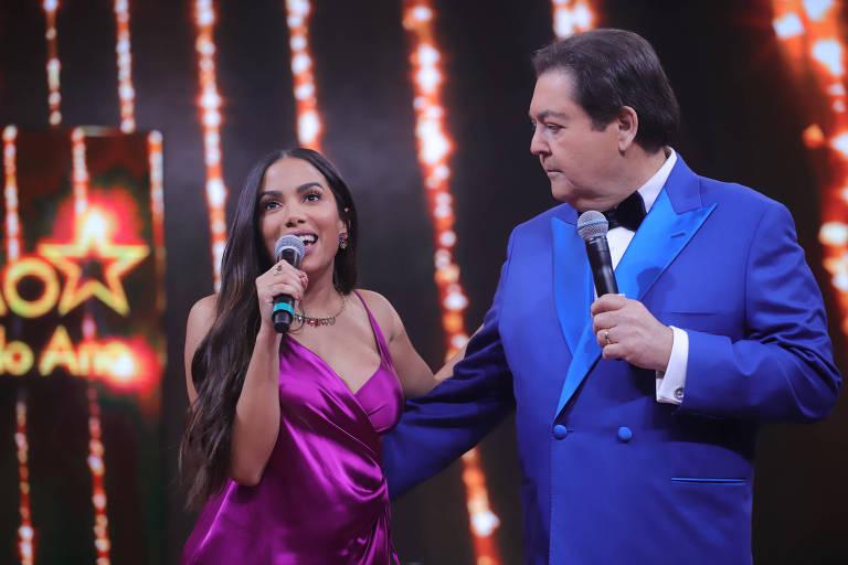 Anitta participa do prêmio