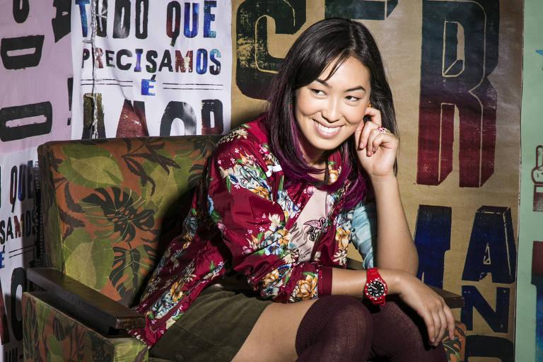 """A atriz Ana Hikari, 22, que vive a personagem Tina, de """"Malhação"""""""