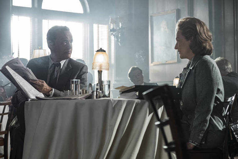 Tom Hanks interpreta Ben Bradlee e Meryl Streep faz Katharine Graham no filme 'The Post