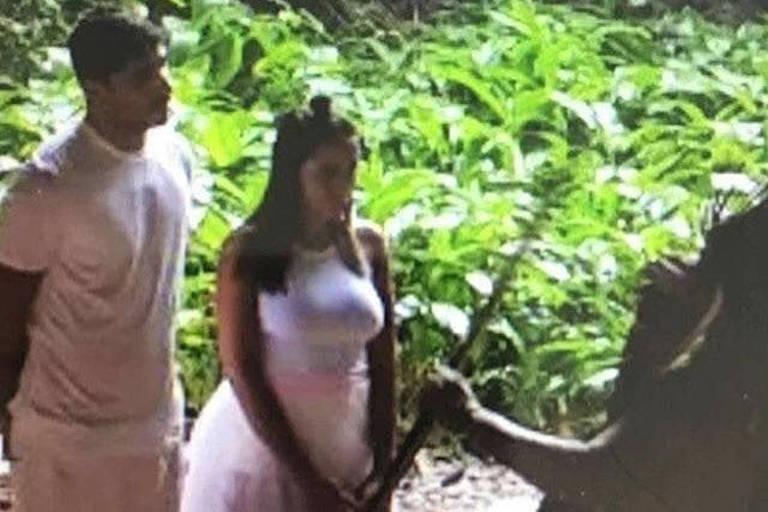 Primeira foto do casamento da Anitta com Thiago Magalhães na Amazônia