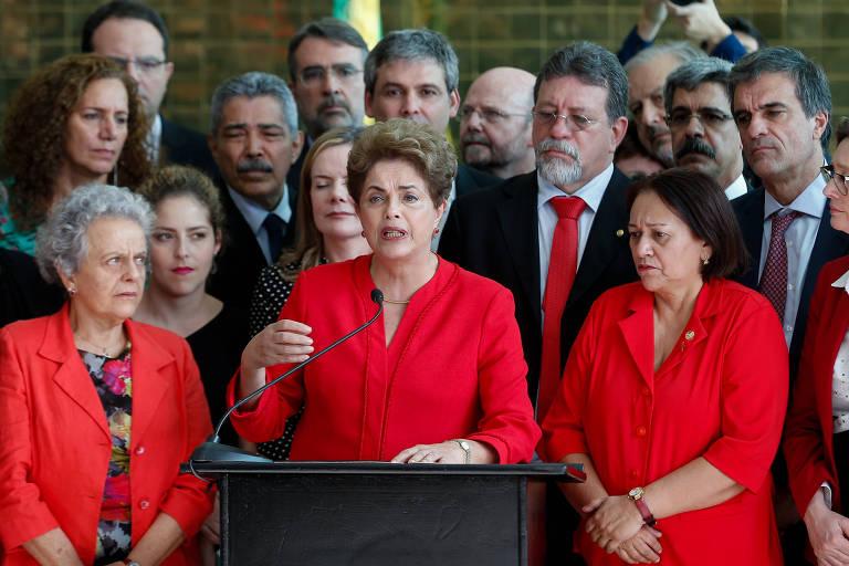 Afastada da presidência, Dilma Rousseff concede coletiva após o resultado da votação do impeachment no Senado, que decidiu pelo seu afastamento da presidência