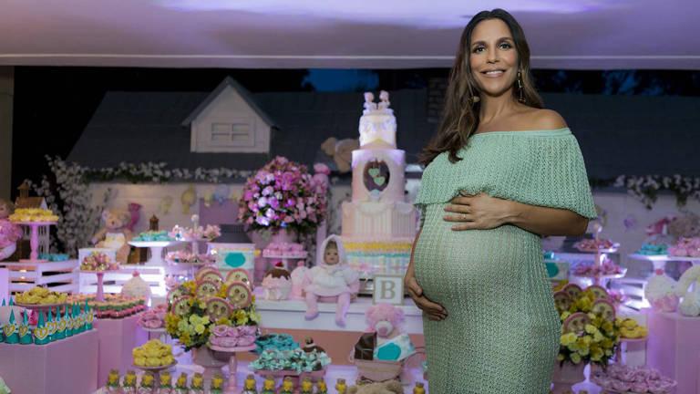 O Chá de fraldas beneficente de Ivete Sangalo contou uma mesa de doces para celebrar a chegada das gêmeas
