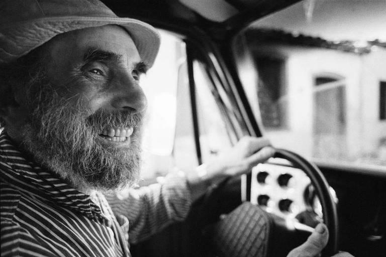 O artista plástico Frans Krajcberg, em 1986 – Walter Salles