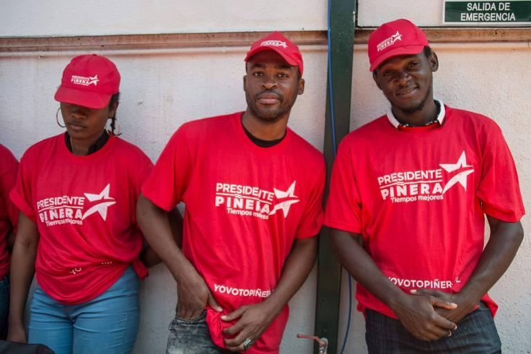 Imigrantes haitianos participam de evento de campanha do ex-presidente Sebasti�n Pi�era em Santiago