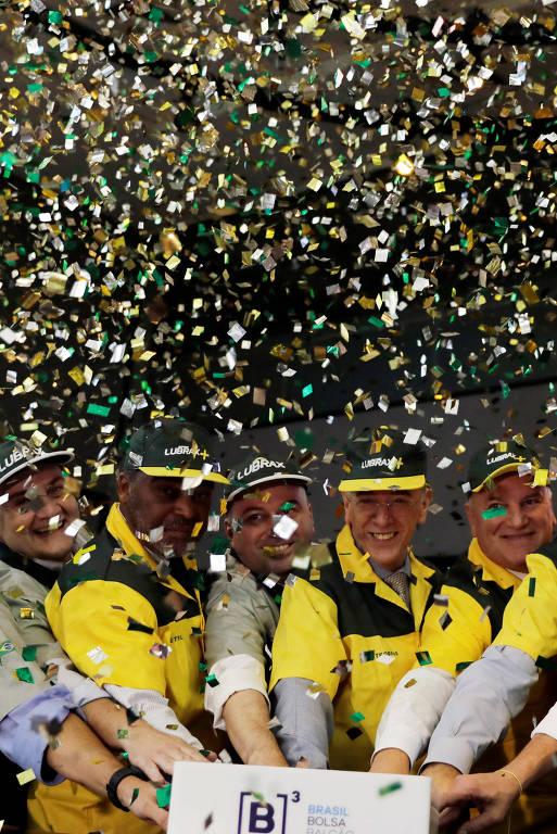 Pedro Parente, presidente da Petrobras, e outros executivos da estatal foram vestidos de frentistas na abertura de ações da BR Distribuidora na Bolsa