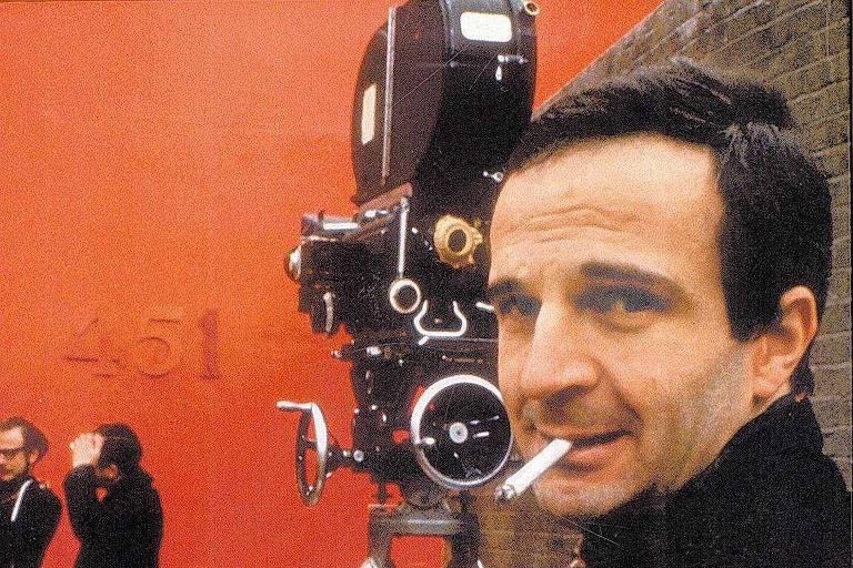 """O cineasta e crítico francês François Truffaut nas filmagens de seu """"Fahrenheit 451"""", em 1966"""