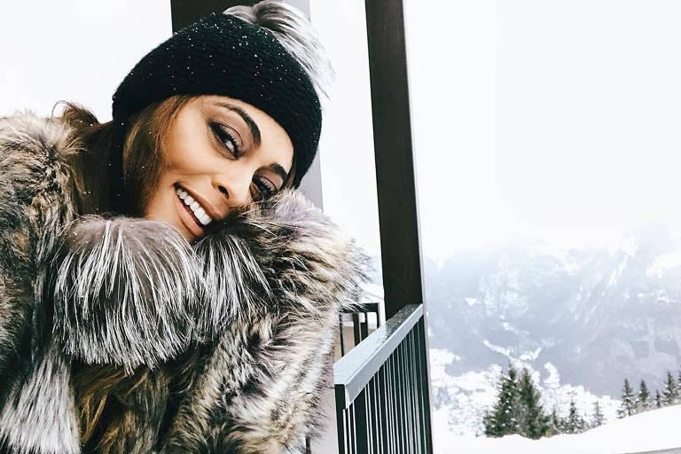 A atriz Juliana Paes nos Alpes franceses