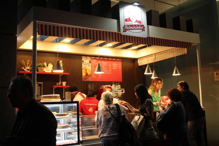 Palmirinha inaugura cafeteria na av. Paulista