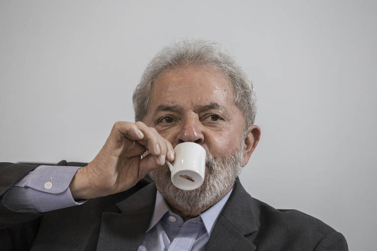 Caf� da manh� no Instituto Lula