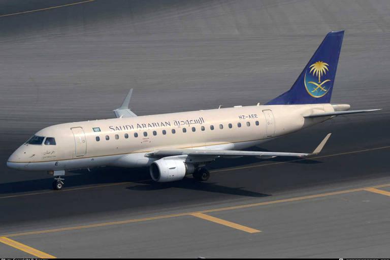 Jato comercial ERJ-170 usado pela companhia aérea Saudia, da Arábia Saudita