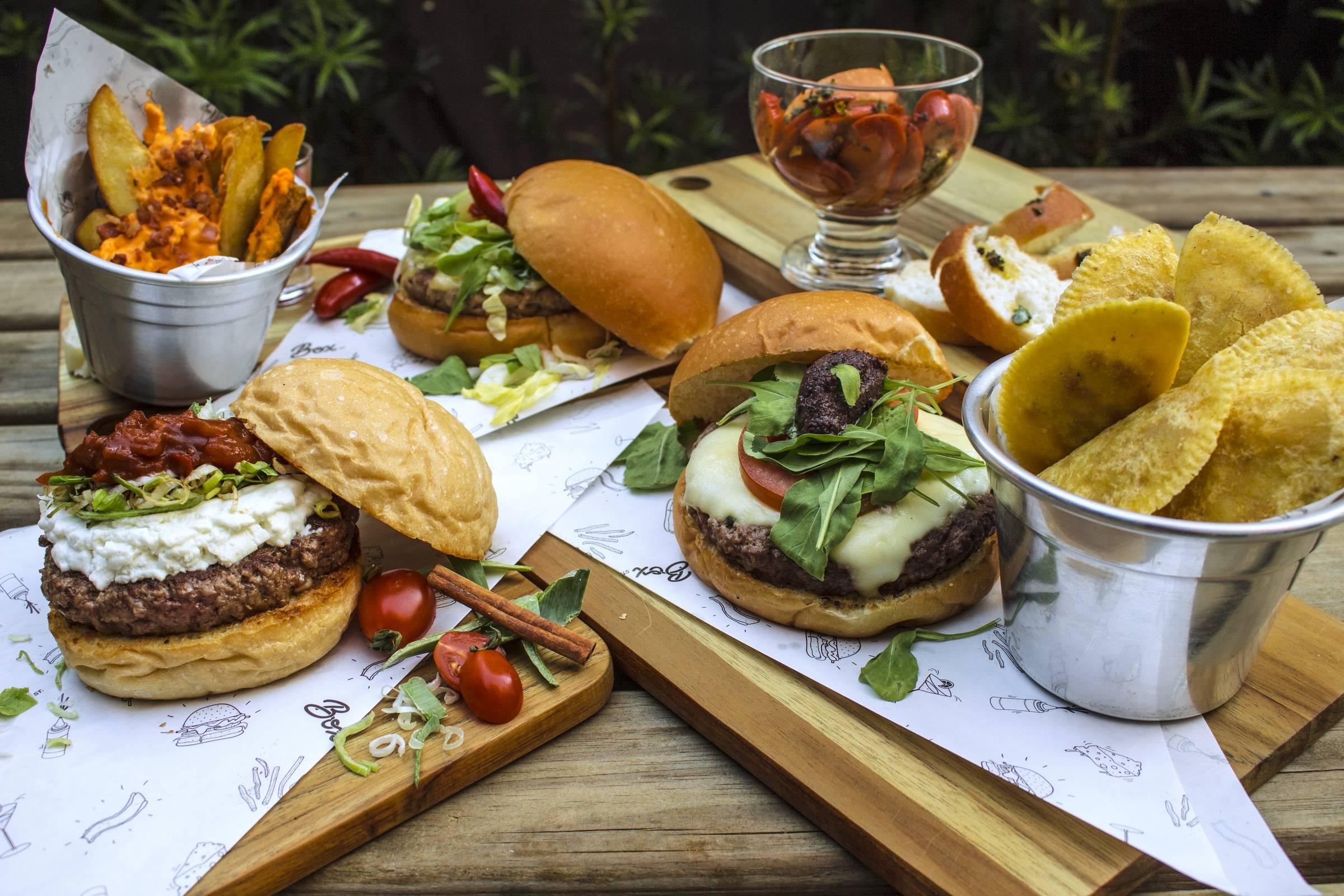 Rua Joaquim Távora reúne bares e restaurantes na Vila Mariana  veja onde  beber e comer - 22 12 2017 - Restaurantes - Guia Folha e2c13ec698cbe