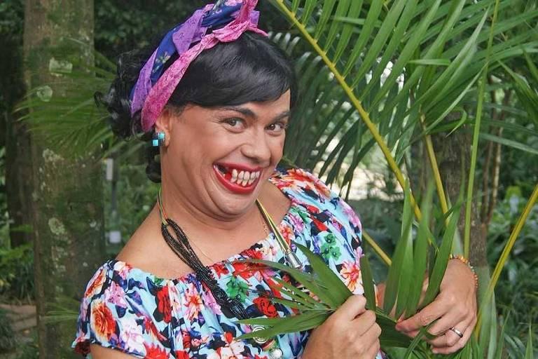 Carioca interpretando Bela Gel, em 2016