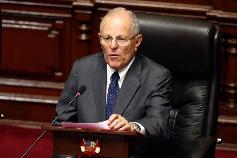 O presidente do Peru, Pedro Pablo Kuczynski, apresenta sua defesa no plenário do Congresso