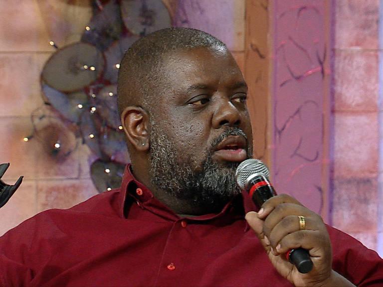 O cantor Péricles fala sobre racismo na RedeTV