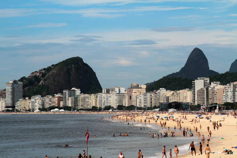 A praia de Copacabana,a partir de onde se expandiu o samba-canção