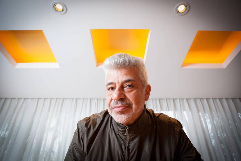 O  cantor Lula Santos