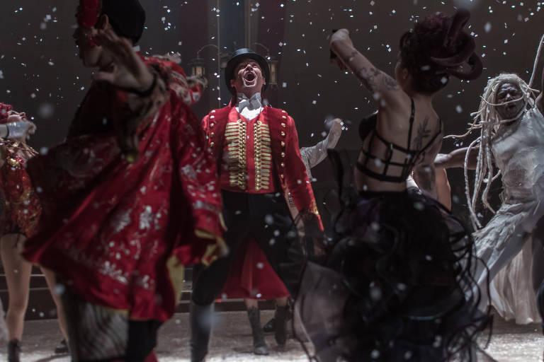 "Cena do filme ""O Rei do Show"" (""The Greatest Showman""), do diretor Michael Gracey. Elenco: Hugh Jackman, Michelle Williams, Zac Efron."