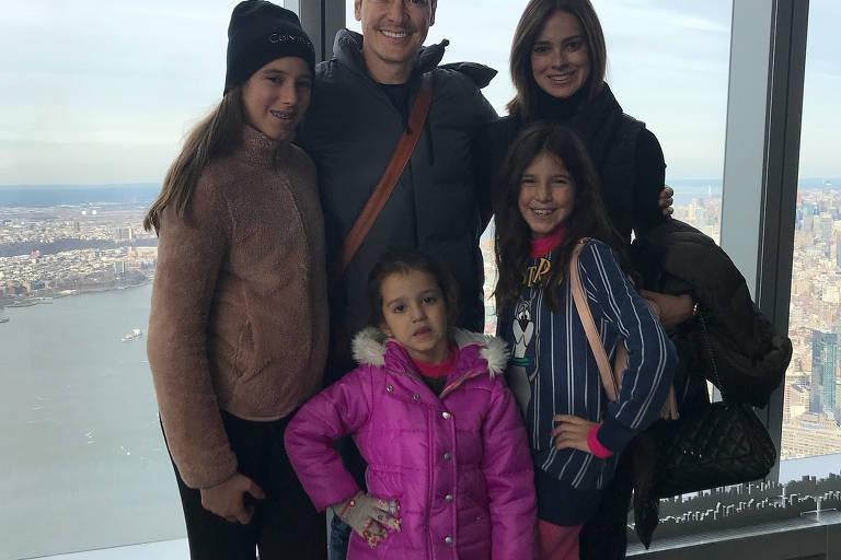 Rodrigo Faro passa Natal com família em Nova York (EUA)
