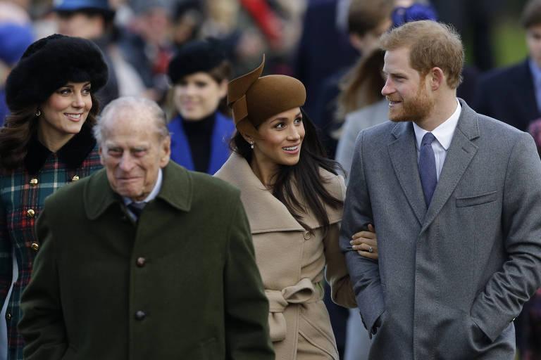 A família real britânica reunida para missa em comemoração ao Natal