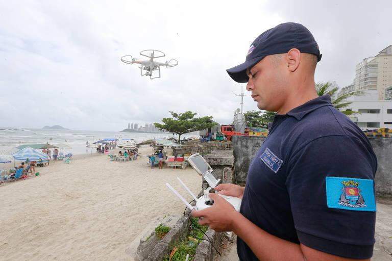 Drones patrulham praias de SP