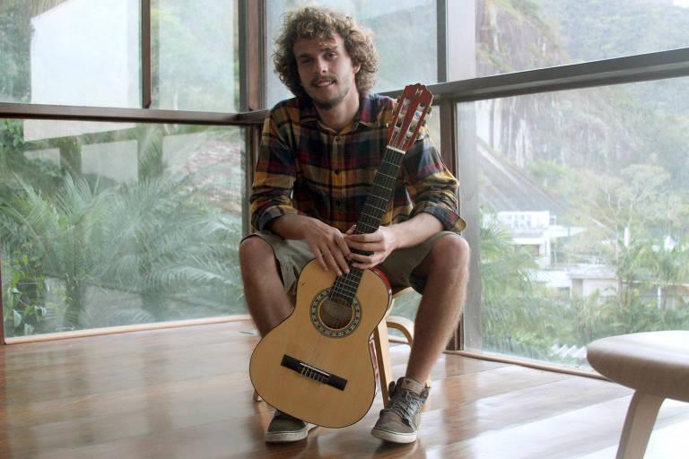 Theo Gam Bial, o Theozin