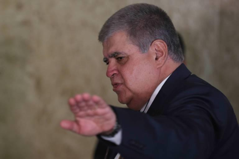 Bernardo Mello Franco: É dando que se recebe