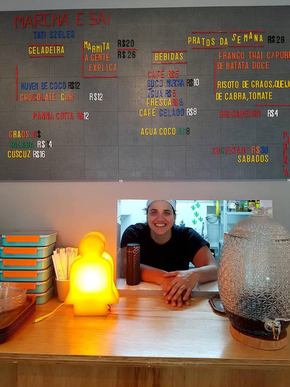 A chef Tati Szeles, que comanda o pequeno Marcha e Sai, em Higienópolis