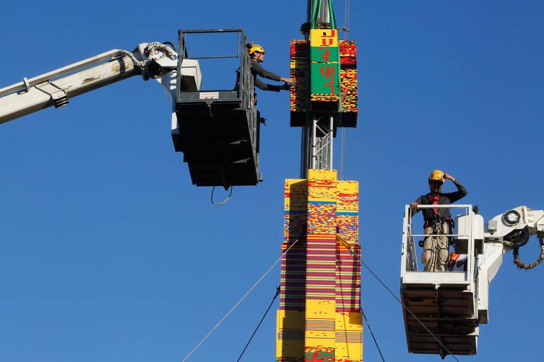 Torre de Lego em Tel Aviv