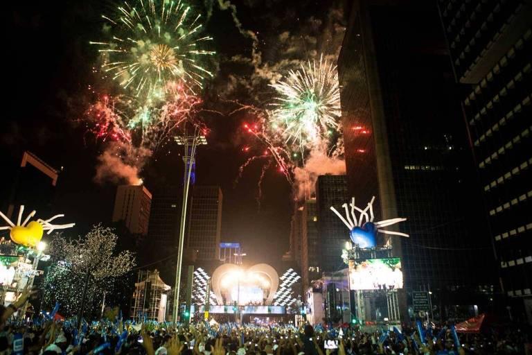 Neste ano, a tradicional virada na Paulista será comandada por Claudia Leitte, Latino e o grupo Sambô