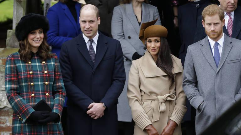 A duquesa Kate, príncipe William, Meghan Markle e príncipe Harry durante a cerimônia de Natal britânica