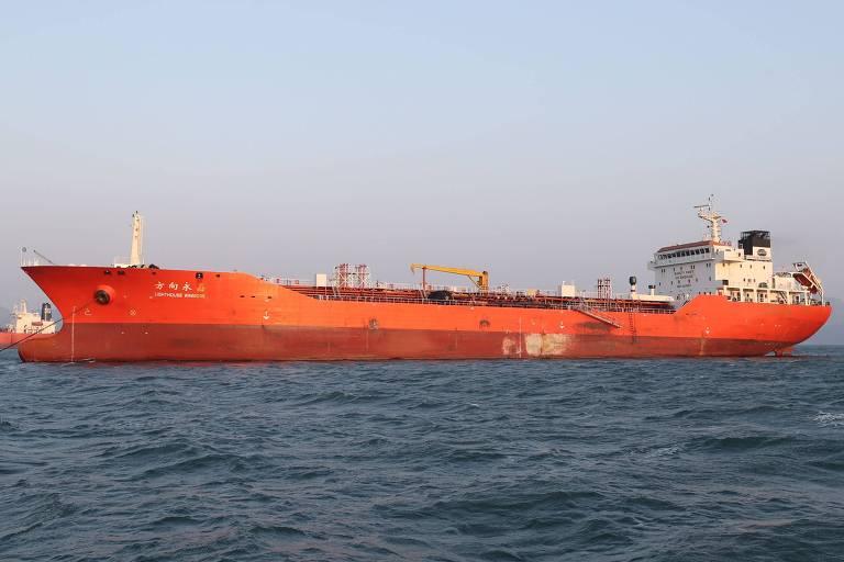 O navio Lighthouse Winmore, suspeito de ter fornecido petróleo para a Coreia do Norte