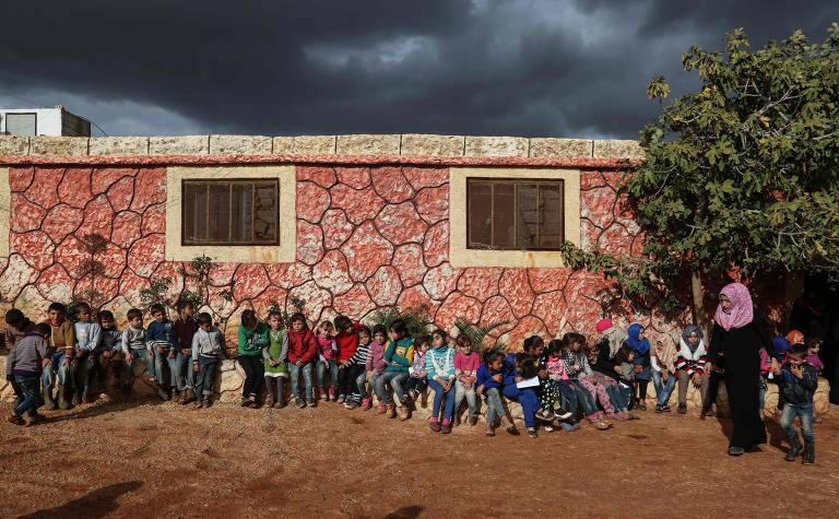 Crianças atingidas por conflitos e crises humanitárias