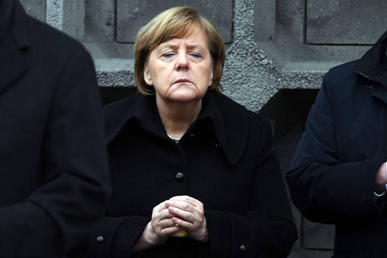 A chanceler alemã, Angela Merkel, participa de cerimônia de um ano do atentado ao mercado de Natal
