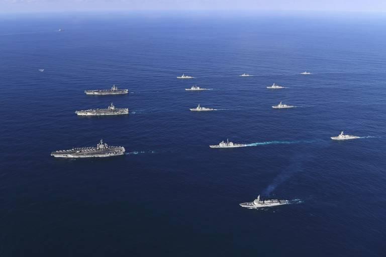 Exercício naval na Coreia do Sul