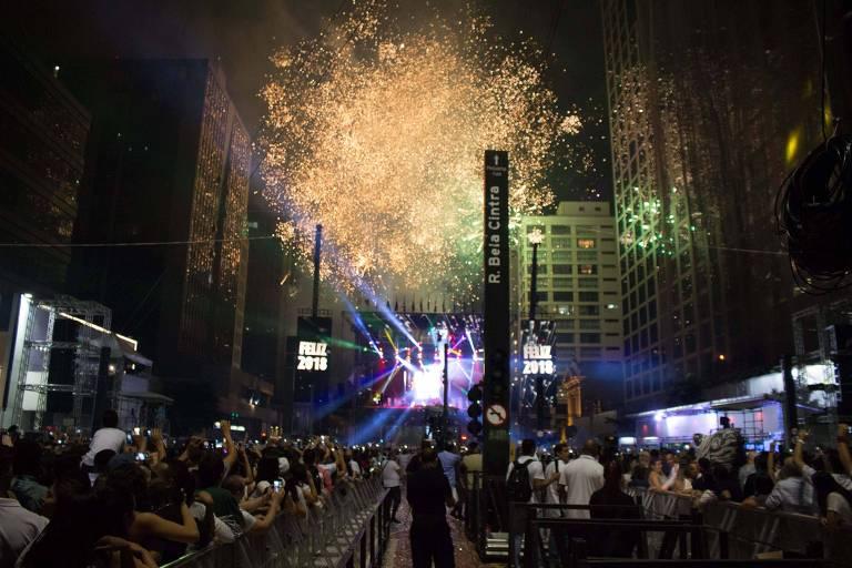 Virada do ano na Avenida Paulista em São Paulo (SP).