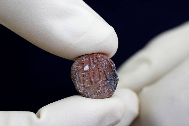 Selo de 2.700 anos, descoberto em Jerusalém, é exibido no primeiro dia de 2018