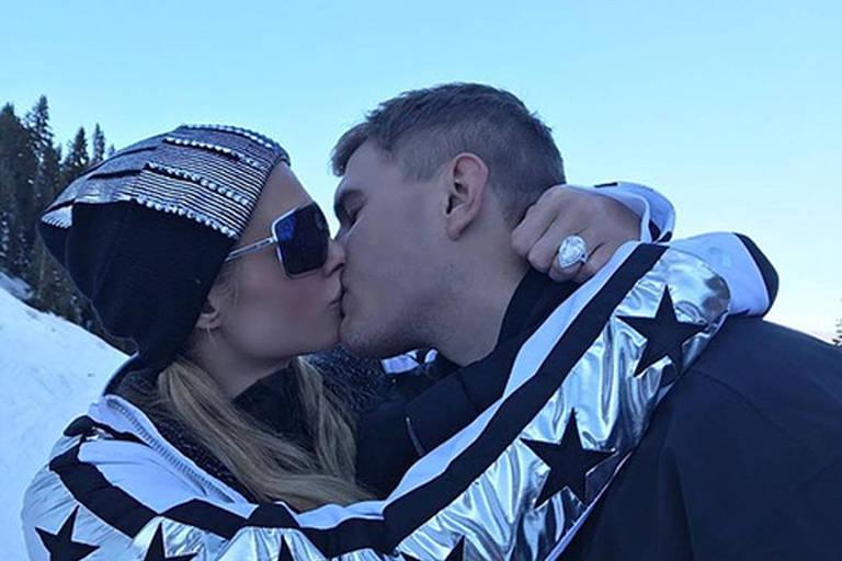 Paris Hilton e seu namorado em Aspen Mountain