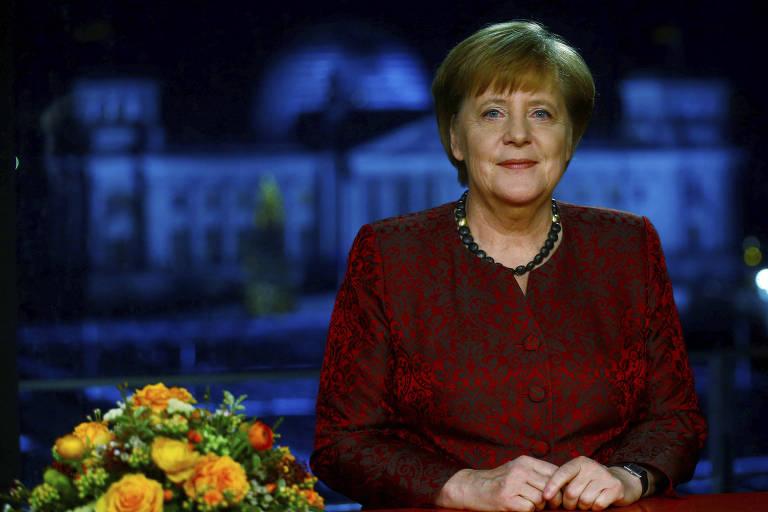 A chanceler alemã, Angela Merkel, grava mensagem de Ano-Novo à população no sábado (30)