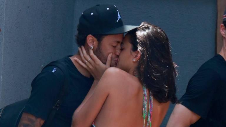 Neymar e Bruna Marquezine em Fernando de Noronha