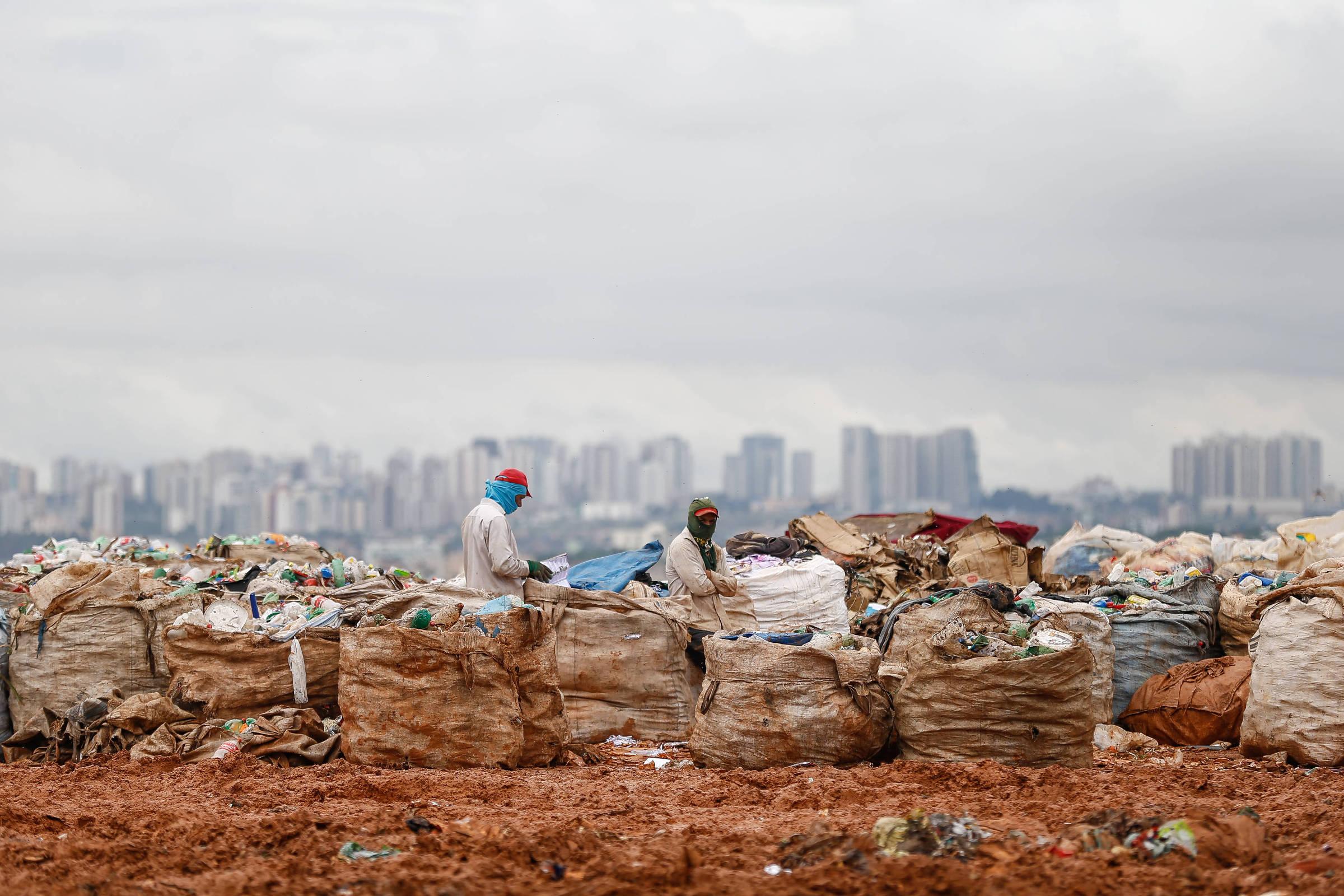 Estudo mostra o que favorece o lixão, doença crônica no país