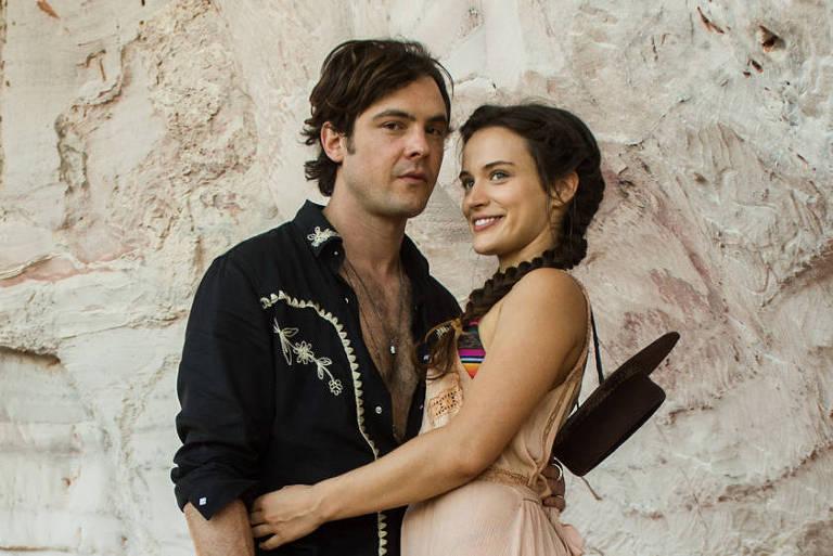 Sergio Guizé e Bianca Bin como Gael e Clara em 'O Outro Lado do Paraíso'