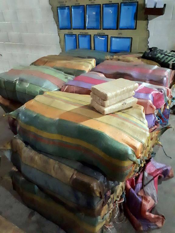 Exército Brasileiro apreende mais 1.200kg