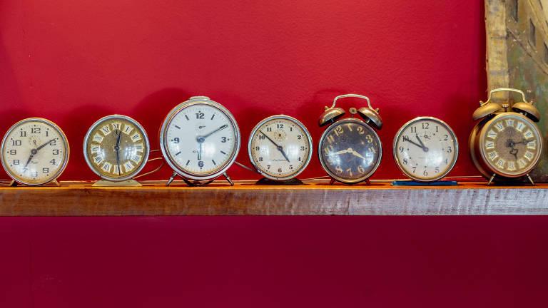 Relógios despertadores de diversos modelos