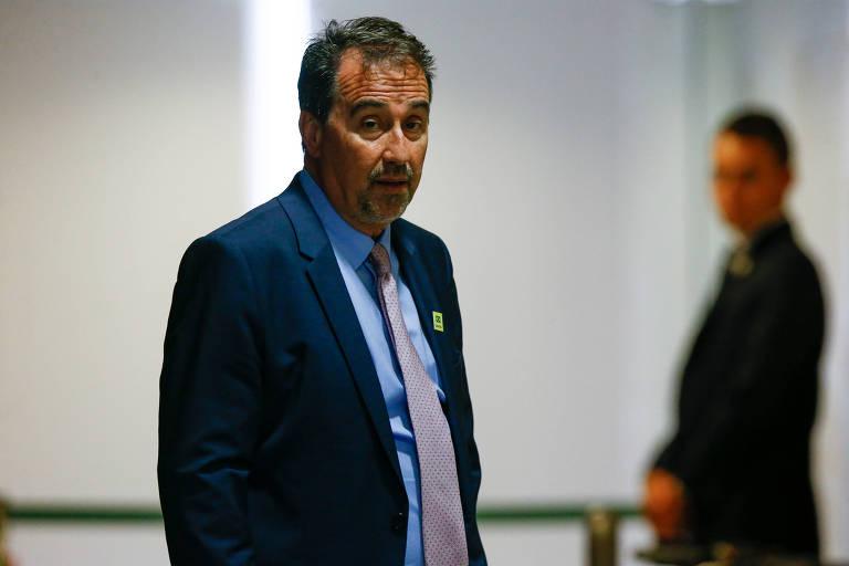 O presidente da Caixa, Gilberto Occhi, por exemplo, foi indicado pela cúpula do PP ao cargo e agora deve assumir o ministério da Saúde, também apadrinhado pelo partido.