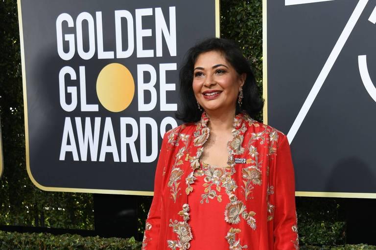 Meher Tatna, presidente da associação responsável pelo Globo de Ouro, vestiu vermelho na cerimônia